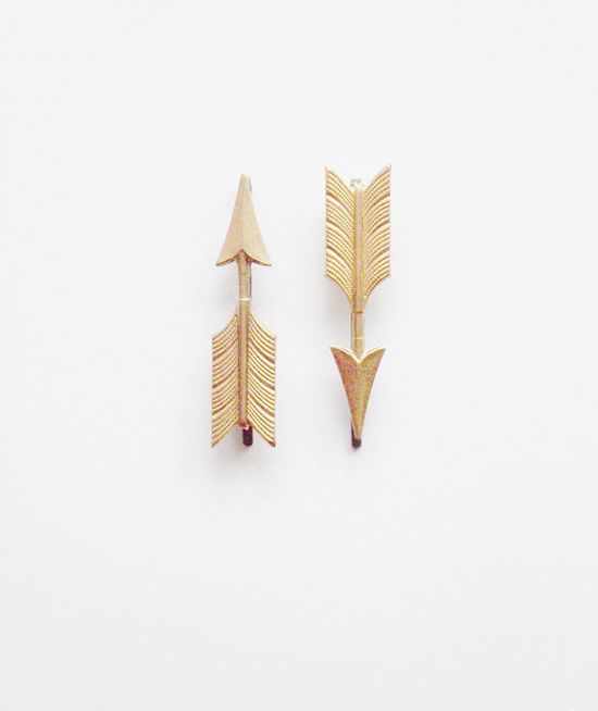 Golden arrow bobby pins.