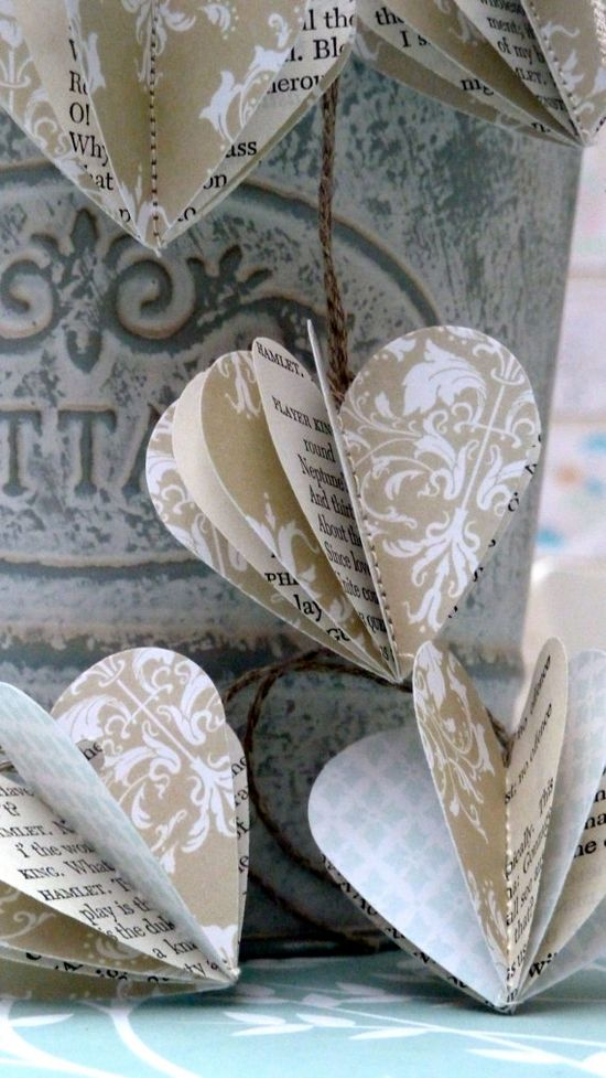 Paper baubles, SHAKESPEARE, heart garland--LaMiaCasa--Etsy