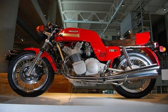 MVAgusta - Pipeburn - Purveyors of Classic Motorcycles, Cafe Racers & Custom motorbikes