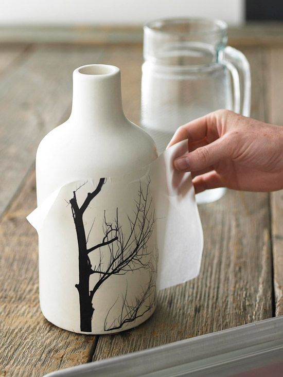 Transfer a picture to a vase = genius! Also directions for canvas and pillows!
