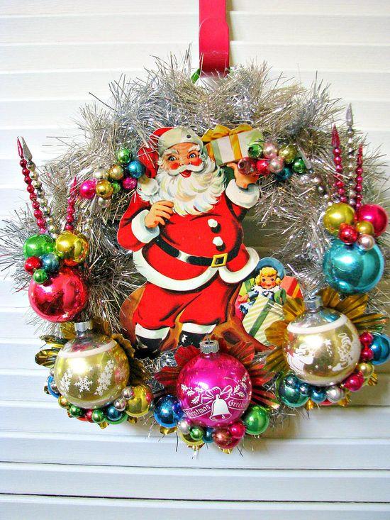 Vintage Santa Kitsch Christmas Wreath