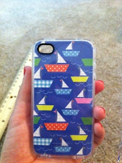 iPhone DIY case. Via Snugly Duckling.