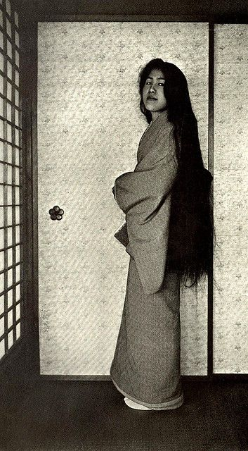 The real hair of a real Geisha. Ca.1905 image from a half-stereoview by Herbert G. Ponting. Japan. S)