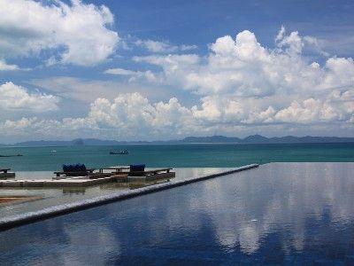 Tranquil beauty - Beach Club Pool