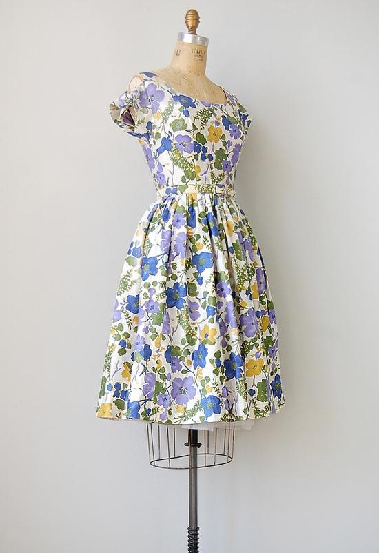 #1950s #partydress #dress #vintage #retro #sundress #floralprint  #romantic #feminine #fashion