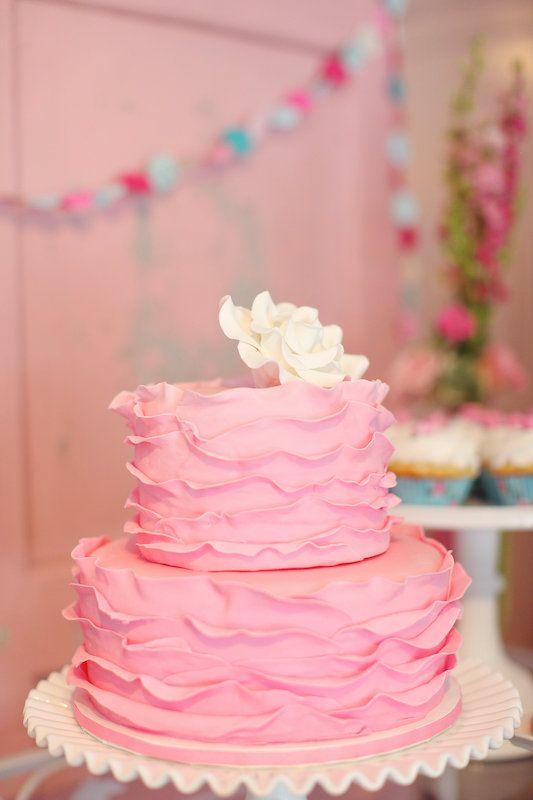 pink ruffle cake.