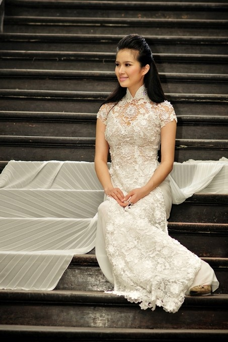 STONE LACE LONG DRESS - RD107  too much styles to choose? how about some stony? :D  Ao Dai Hoa Nguyen