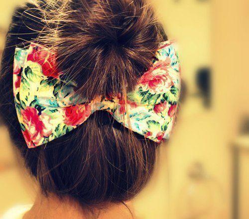 hair bow. so cute!