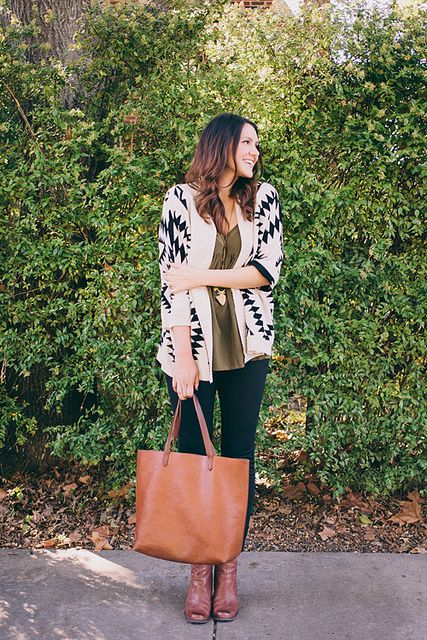 oversized sweater + leather tote