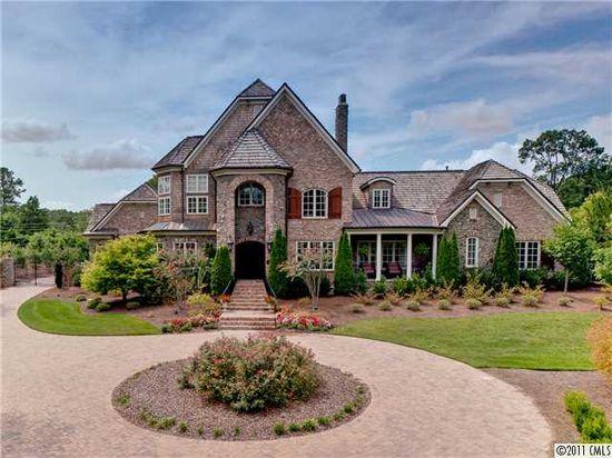 Charlotte luxury homes in Carmel Park