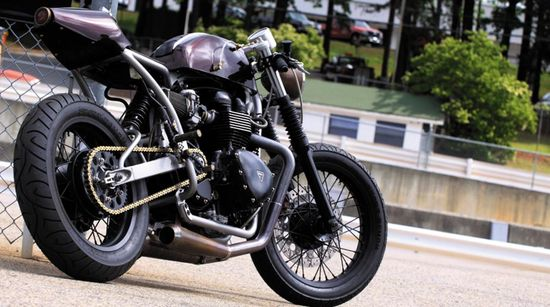 The Irony in a Name: Medusa Fabrication creates a most beautiful café racer.