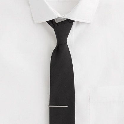a modern and simple tie bar.