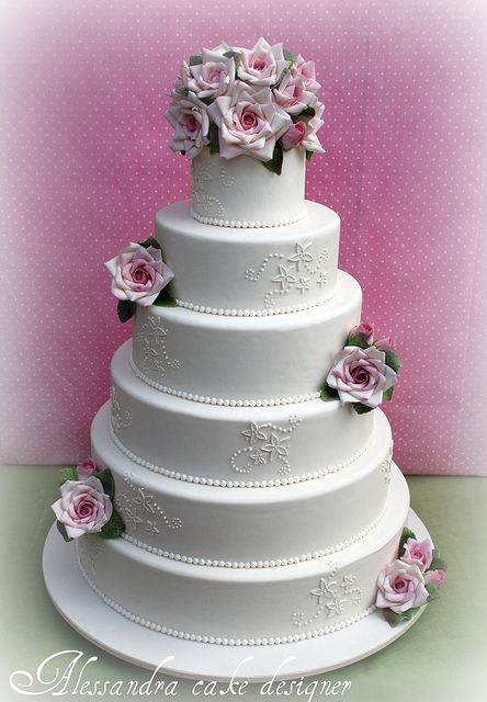 roses by Alessandra Cake Designers