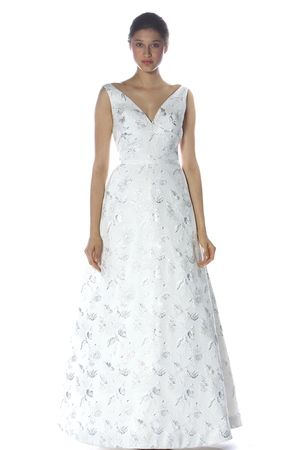 How gorgeous is the silver jacquard on this @Campodoro Bride