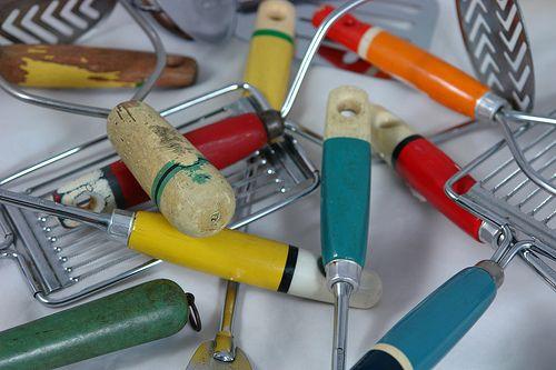 Kitschy Vintage Kitchen Utensils Visit my blog cdiannezweig.blog... and my site iantiqueonline.ni...  Vintage kitchen utensils.