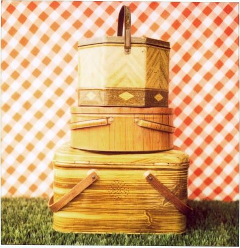 vintage picnic basket #company picnic #summer picnic #prepare for picnic