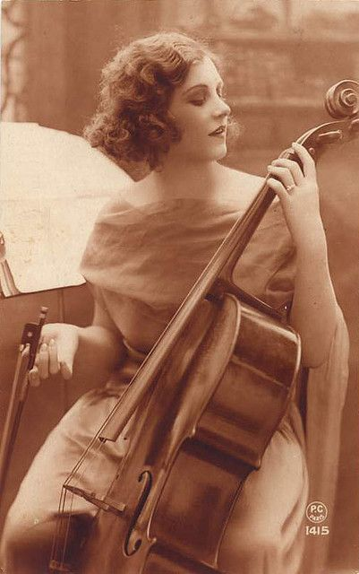 Beautiful vintage cello pic.