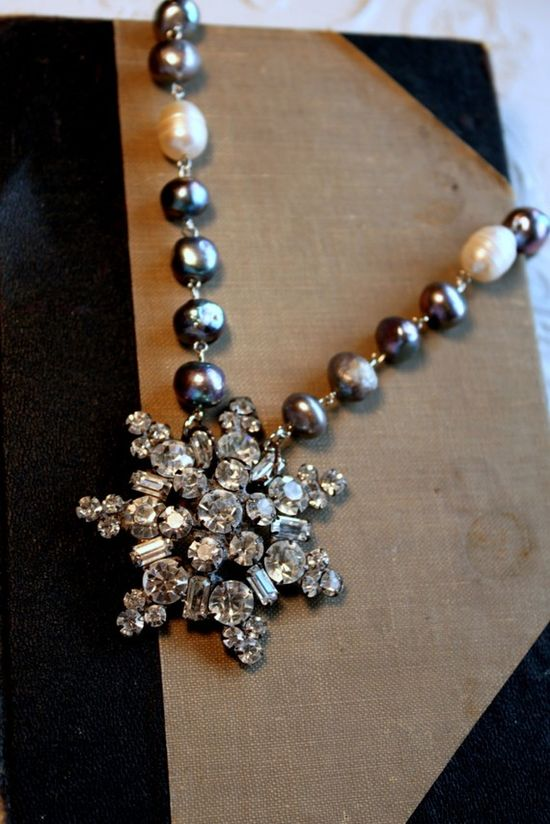 Vintage Rhinestone and Fresh Water Pearls Necklace~