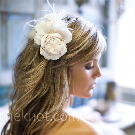 soo pretty.. I'm not crazy about the flower in the hair.. but I like the soft curls