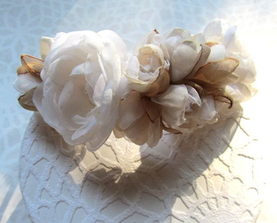 Handmade headband with roses in ivory and beige, handmade head piece, headband with roses button