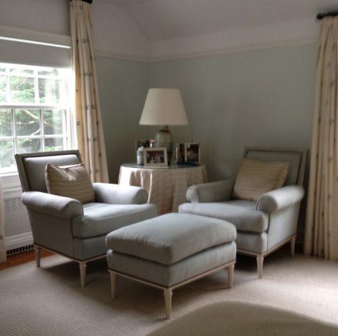 nice little furniture arrangement