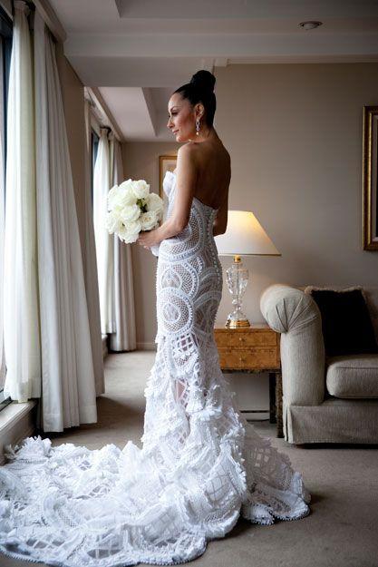 lace wedding dress www.brayola.com