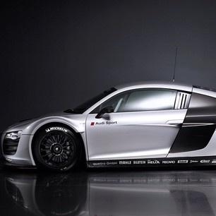 Silver Audi Sport R8!