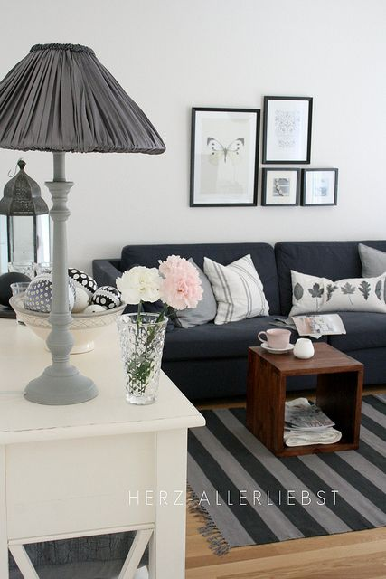 Gray and pink Living room by herz-allerliebst, via Flickr