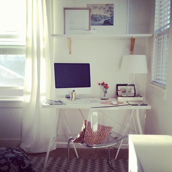 Such a pretty home office nook via Grey and Scout. Great for guest room/ office