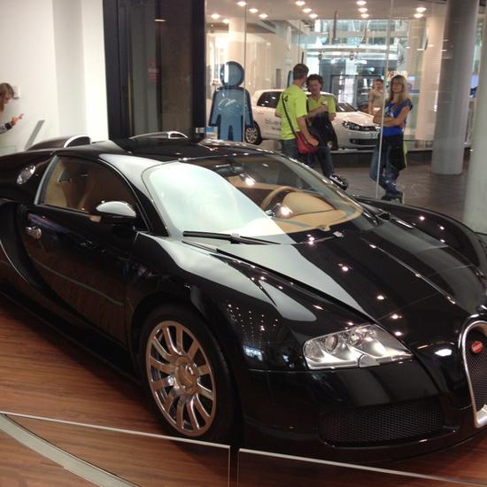 Bugatti... ?