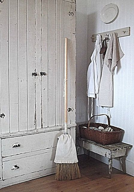 broom apron