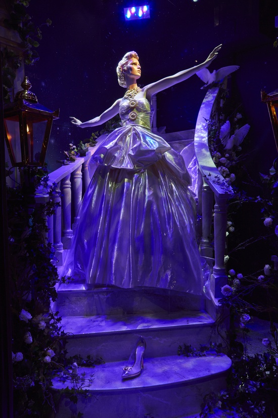 Harrods #Disney #Christmas Windows - #Cinderella by Versace