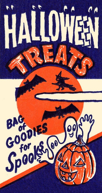 Wonderfully fun little 1950s Halloween treats paper bag. #bag #Halloween #treats #candy #food #vintage #retro #fifties #1950s