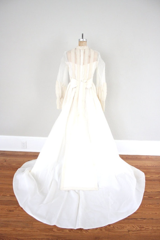 Vintage Wedding Dress // 1950s Ivory Wedding Dress by adVintagous