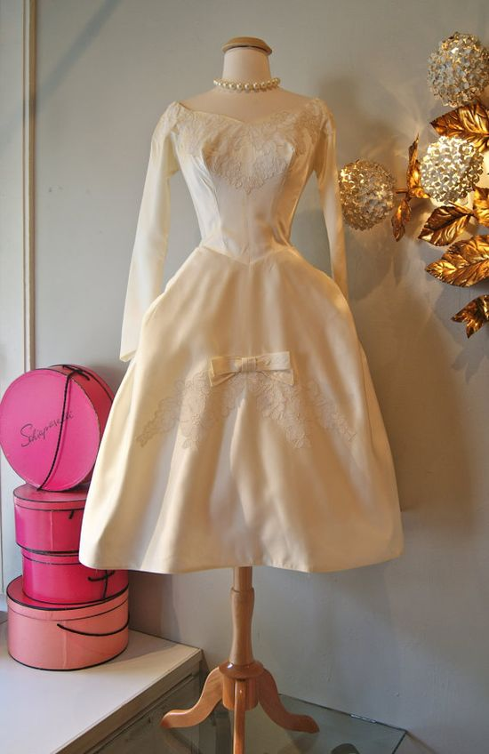 50's Wedding Dress// Vintage 1950's Pretty Lace by xtabayvintage, $498.00