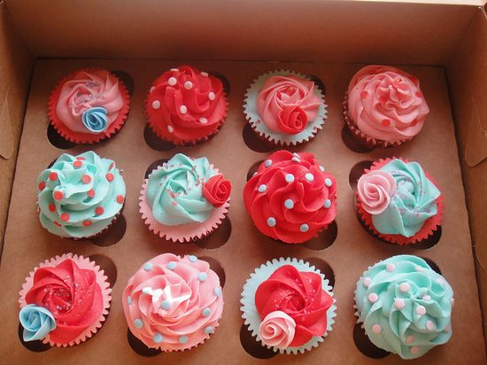 Cath Kidston inspired cupcakes... so colourful!