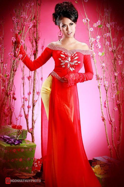 Red Ao Dai -- Ao Dai Lotus