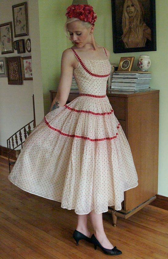 1950's Vintage red polka dot dress