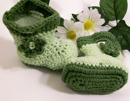 Baby Girl Bootslight green with dark green and by Barb70CraftShop, $18.00