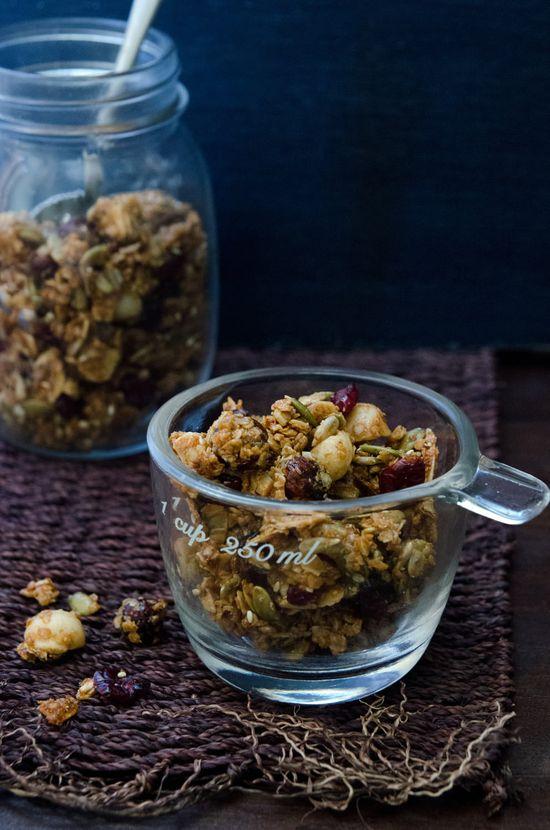 Manuka Honig, Ahorn, Nuss Müsli Quinoa + (Er braucht Nahrung)