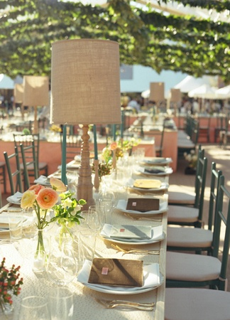 Centerpieces and Reception Decor // Photography: Liz Banfield Photography // Event Planner: Tara Guérard // TheKnot.com