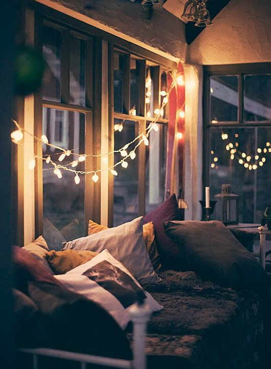 I miss my lights. That would be the perfect spot for late night reading.