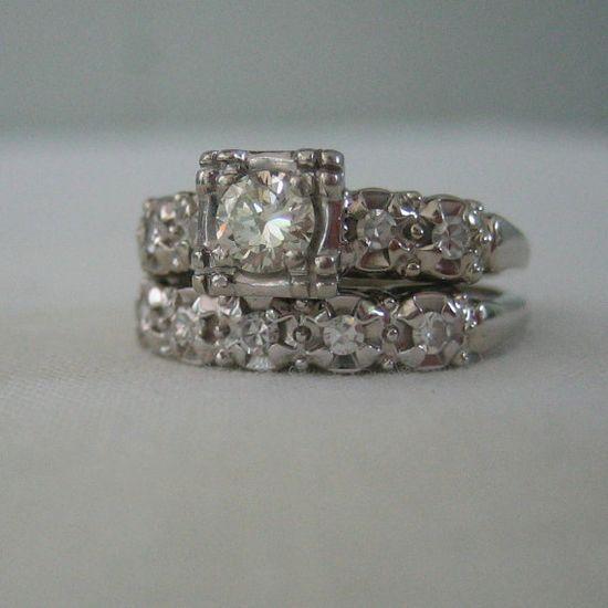 antique style wedding ring.