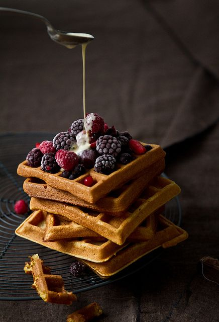 ? Still Life Food Styling food photography Waffel with berry
