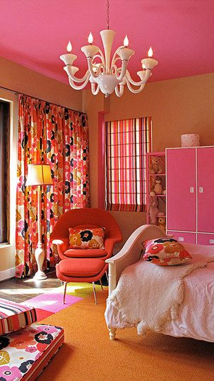 mod & vibrant colors. so cute for a girls room.