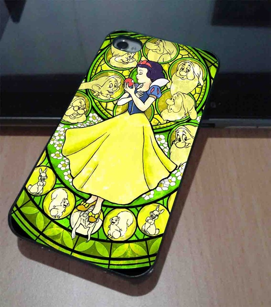 Snow White phone case. Isn't this from Kingdom Hearts?