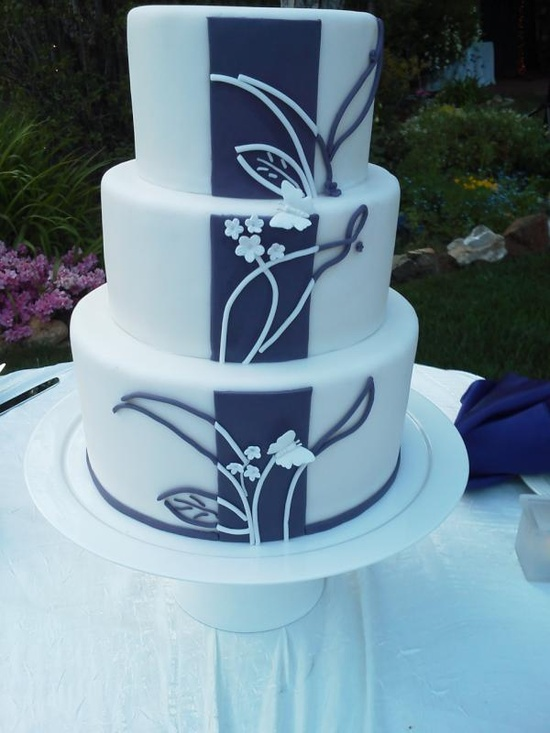 Wedding Cake (by Monte Verde Inn)