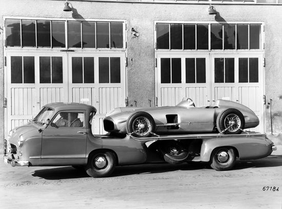 Mercedes-Benz race transporter from 1954