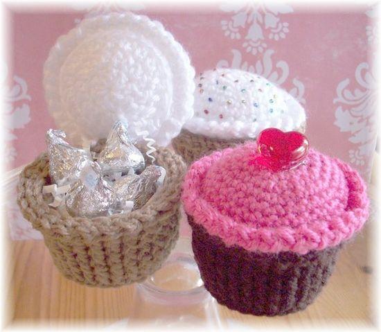 Crochet cupcakes pattern