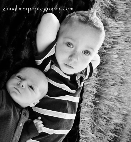 brother love newborn photography